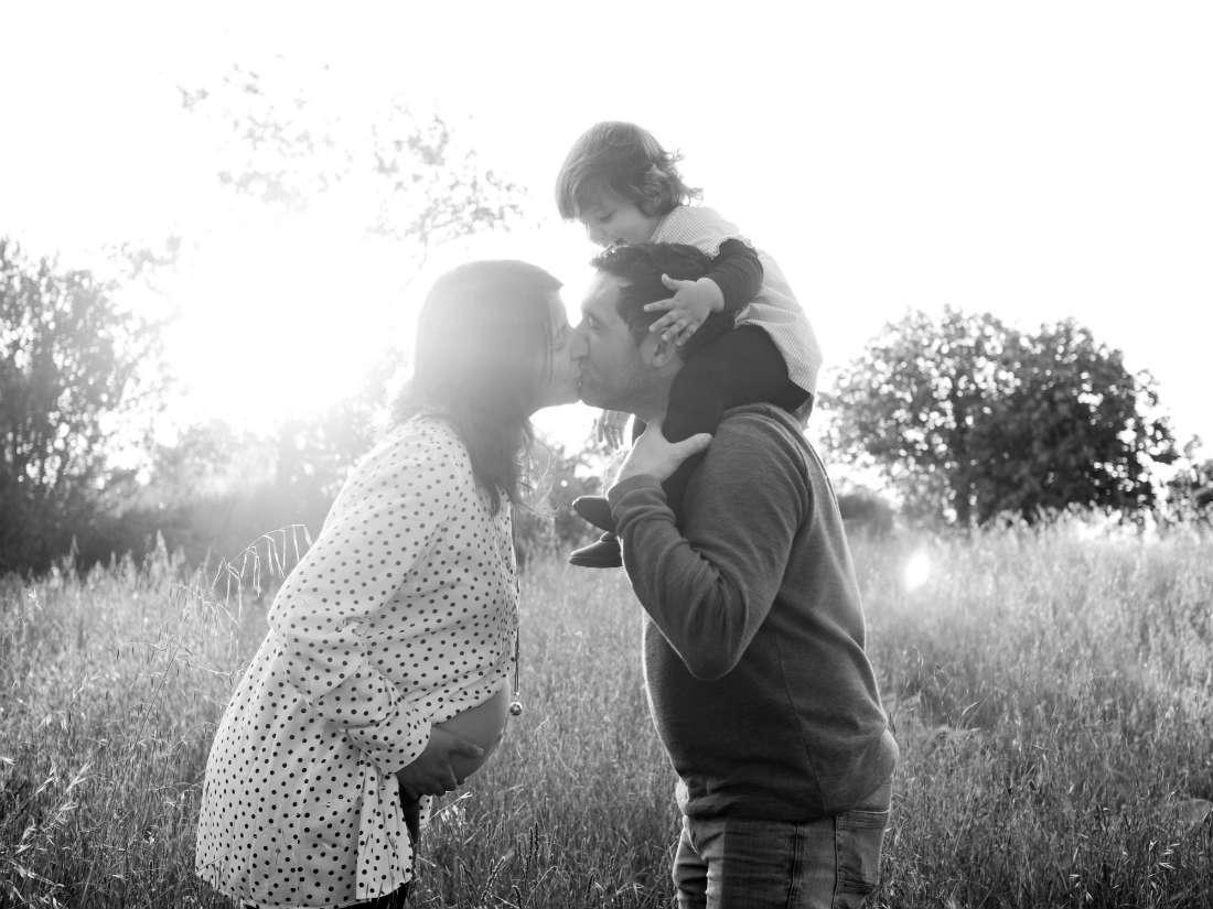 fotografia embarazada y familia