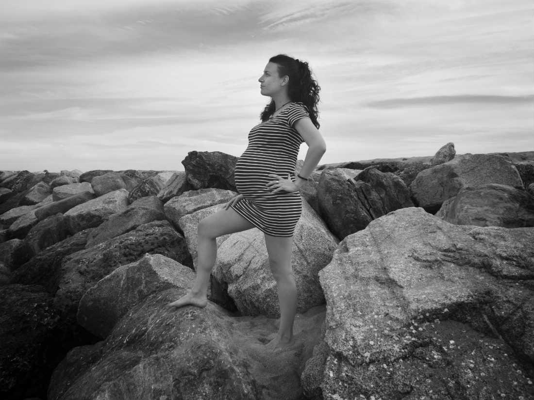 fotografia embarazada rocas